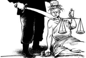 El Jerarca durante sus borracheras de poder organizaba orgías, durante las cuales hasta la Justicia era víctima de sus desviaciones sádicas.