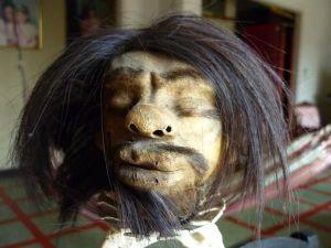 Mi amigo Gregorio Tzantza durmiendo una borrachera en El Aguijón.