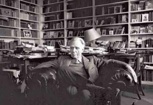 Bioy era un caballero con suerte en los lances amorosos, brillante escritor y hombre pudiente. ¡Todo lo que usted y yo jamás seremos! :(