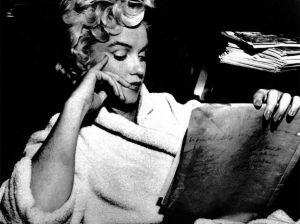 Aunque usted no lo crea, Marilyn Monroe leía mucho y estaba casada con un escritor famoso...