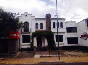 LibriMundi de la calle Juan León Mera.