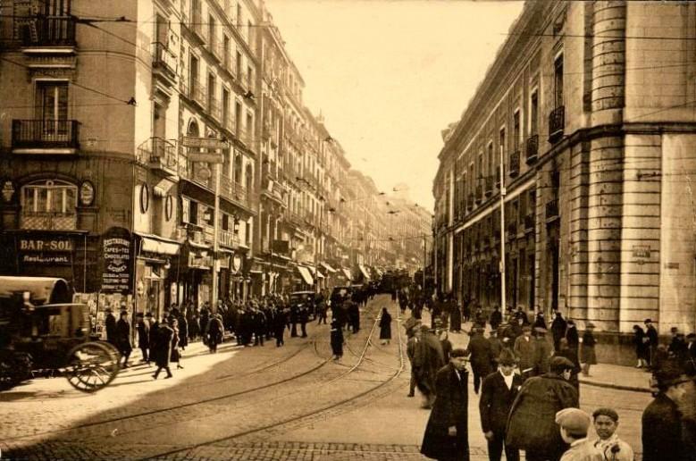 calle-carretas-1930-779x516